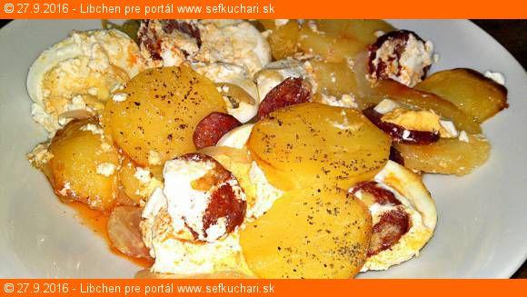 Francúzske zemiaky s pikantnou údenou madarskou klobásou