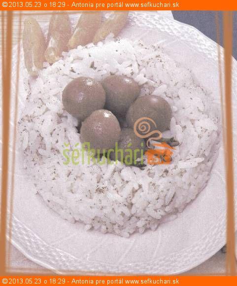 Ryžový veniec s čerešňami